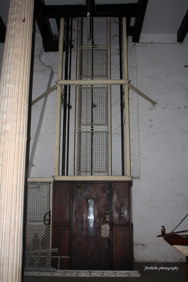 Old elevator at House of Wonders