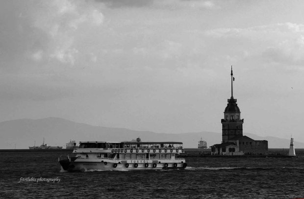 Maiden's Tower.  Location: Istanbul, Turkey