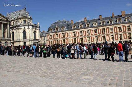 The lines at Chateau de Versailles